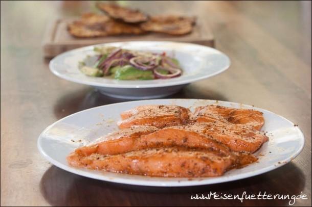 Gegrillter Lachs mit Avocado Salsa